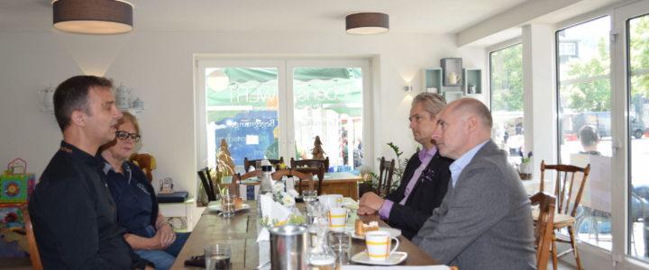 FDP besucht soziale Einrichtungen in Haiger – René Rock zu Gast
